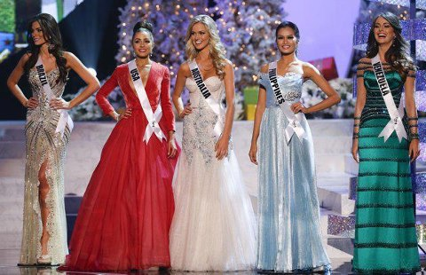 The Miss Univese 2012 Top 5, from L-R: Brazil, USA, Australia, Philippines, and Venezuela.