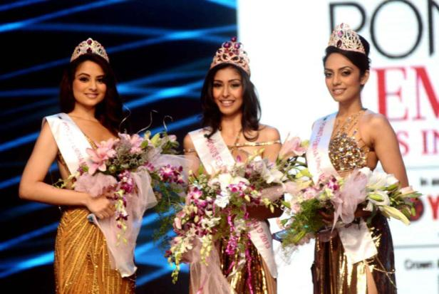 The grand finale of Pond's Femins Miss India 2013 is over. And the winners are..Pond's Femina Miss India World 2013, Navneet Kaur Dhillon, Pond's Femina Miss India 1st runner-up, Sobhita Dhulipala and Pond's Femina Miss India 2nd runner- up, Zoya Afroz.